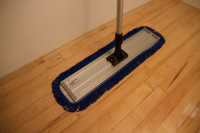 Promop 24 Inch Basketball Mop With Microfiber